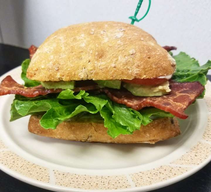 BLT – Made with Turkey Bacon